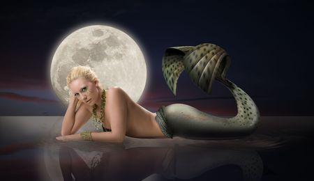 Mermaid with Full Moon 版權商用圖片