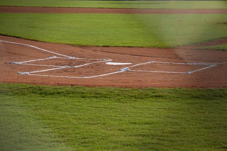 棒球场本垒板