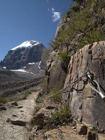 산 경로의 안전 로프 스톡 콘텐츠