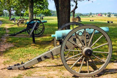 wheel barrel: four cannons in a line gettysburg pa
