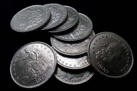 1800 년대 동전의 스택 스톡 콘텐츠