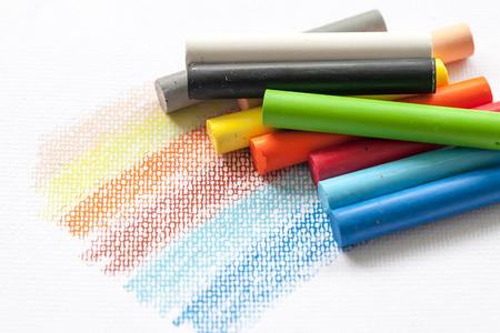 oil pastels on white background 版權商用圖片 - 105969440
