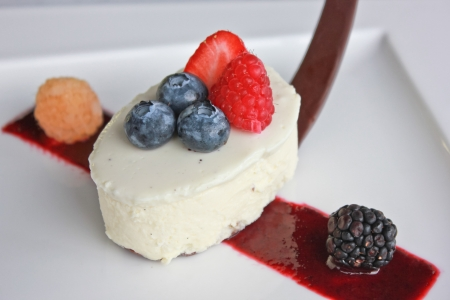 White chocolate mousse cake with berry