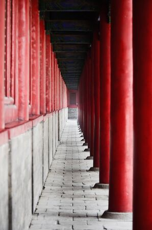 Colonnadein Chinese temple photo