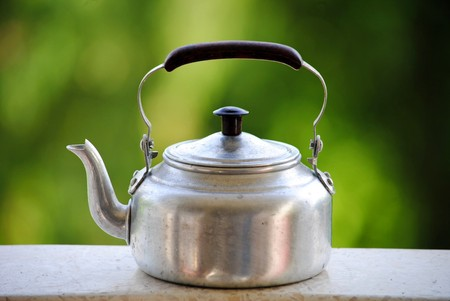 passe: The kettle is used to boil water
