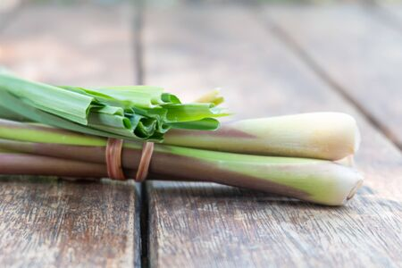 Fresh green lemongrass  on wooden cutting board Thai food cooking. Banque d'images