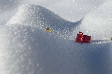 allocate: Gifts in the snow during winter Stock Photo