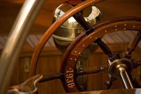 ruder: Nahaufnahme von einem alten Segelboot