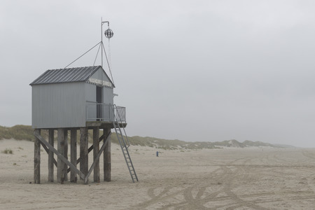 reputed: The sea cottage of Terschelling is from the end of 2015 posted near pole 24 on the North Sea Beach at the dunes on a larger and more secure distance from the North Sea kelingenhuisje Brooke-Terschelling on new location. Picture was taken on a foggy and dr