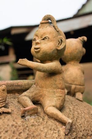 antiguo tailand�s de cer�mica artesanal mu�eca