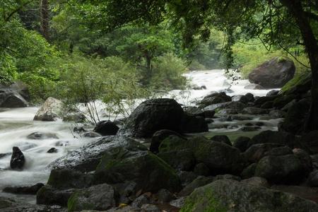 Cascada en el bosque, Tailandia Foto de archivo