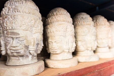 cabeza de buda: Esculturas de cabeza de Buda