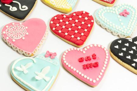 Heartcookies encantadores de lujo con formaci�n de hielo real Foto de archivo