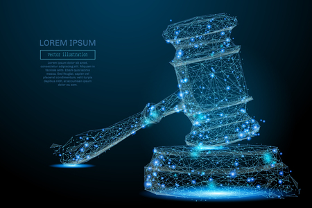 판사의 다각형 해머. 파편 비행에서 벡터 메쉬 분야입니다. 얇은 라인 개념. 파란색 구조 스타일 그림