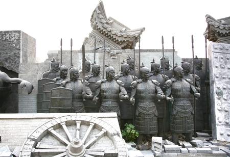 秦の始皇帝、中国最初の皇帝の軍隊を描いたテラコッタの彫刻