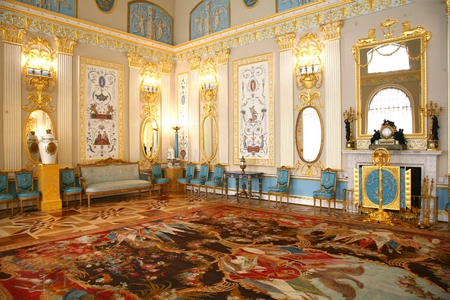 royal: The interior style of the pavilion in the Catherine Palace at Saint Petersburg, Russia