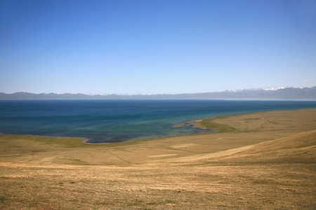The beautiful scenic at Song kul lake ,  Naryn with the Tian Shan mountains of Kyrgyzstan Banque d'images