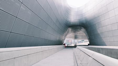 educaton: modern metal curve architecture outdoor