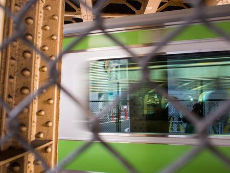実行中の列車の窓
