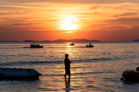 Golden hours , beautiful sunset above the sea. Zdjęcie Seryjne