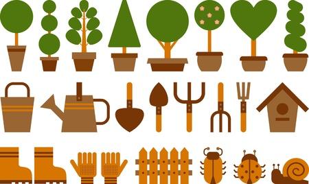 zestaw narzędzi ogrodowych i topiary w doniczkach terakota