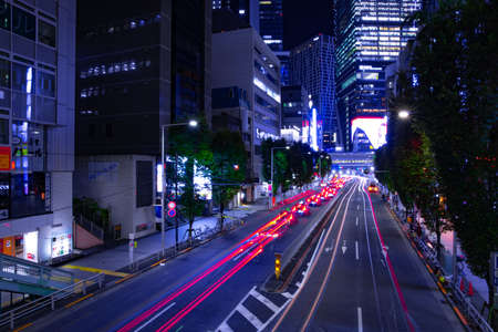 A night urban city street in Shibuya Tokyo wide shot Banque d'images - 157174259