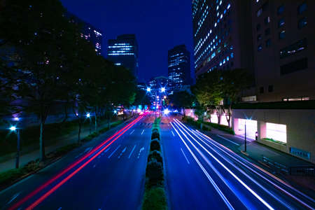 A night urban city street in Shinjuku wide shot Banque d'images - 157436989