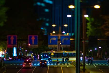 A night miniature urban city street in Shinjuku tiltshift Banque d'images - 157438590