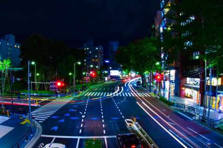 A night neon street in Shibuya wide shot Banque d'images - 158613085