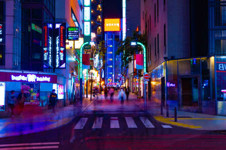 A night neon town in Shinjuku Banque d'images - 158804048