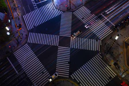 A night Sukiyabashi crossing in Ginza high angle Banque d'images - 159081156