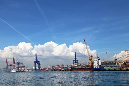 haydarpasa: Port of Haydarpasa in Harem Istanbul