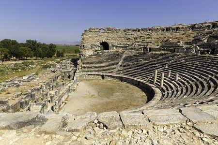 Milet, Türkisch Milet, Theater Ansicht, die Türkei. Milet war eine antike griechische Stadt an der Westküste von Anatolien Standard-Bild - 44705135