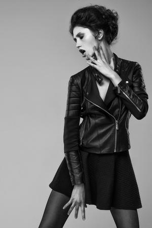 Fashion portrait of young pretty woman Foto de archivo