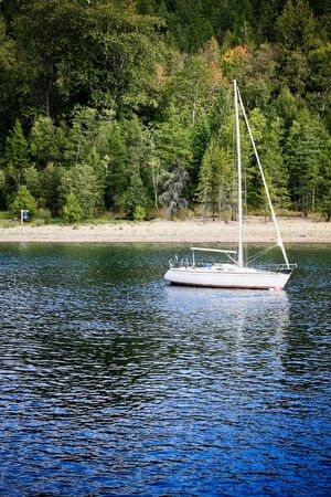 lakeview: a white yacht 2