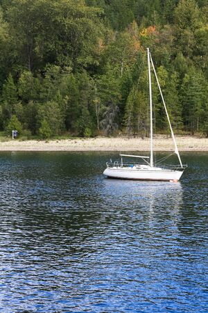 lakeview: a white yacht 1