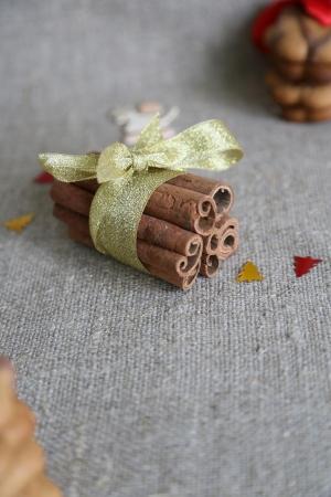 goldish: Seven cinnamon steaks are bound with goldish ribbon