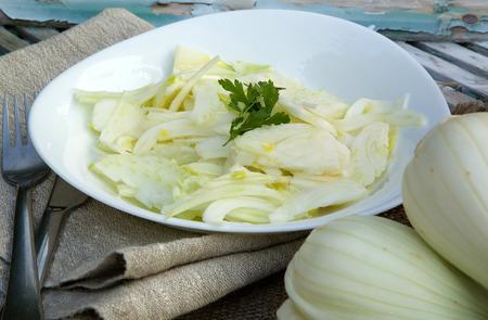 spasmodic: Vitamin spring fennel salad with lemon juice and olive oil