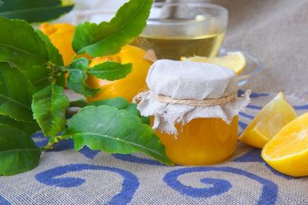 relaxant: A glass of bergamot blossom honey