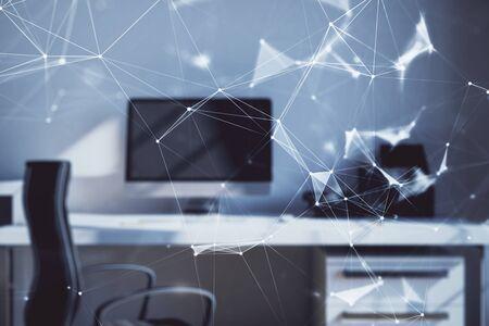 Tema tecnologico ologramma e sfondo del computer desktop dell'ufficio. Esposizione doppia. Concetto di alta tecnologia