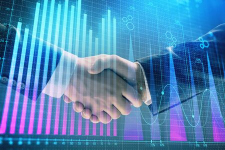 Exposición múltiple del gráfico de forex sobre fondo abstracto con apretón de manos de dos hombres de negocios. Concepto de éxito en el mercado de valores