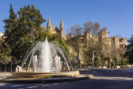vestige: Plaza de la Reina y Palacio Real de La Almudaina, Palma, Mallorca, balearic islands, spain, europe