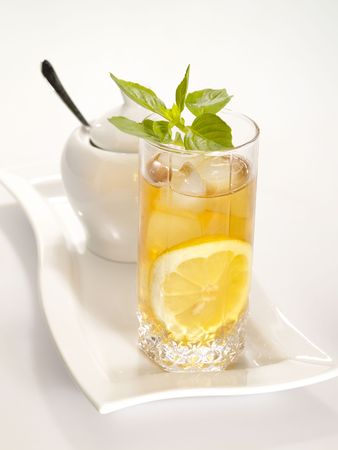 freshment: cool green tea with lemon and fresh mint