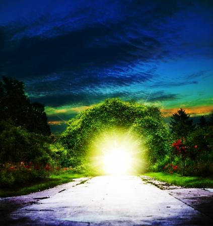 cat�licismo: Portal de Eden fondos abstractos espirituales Foto de archivo