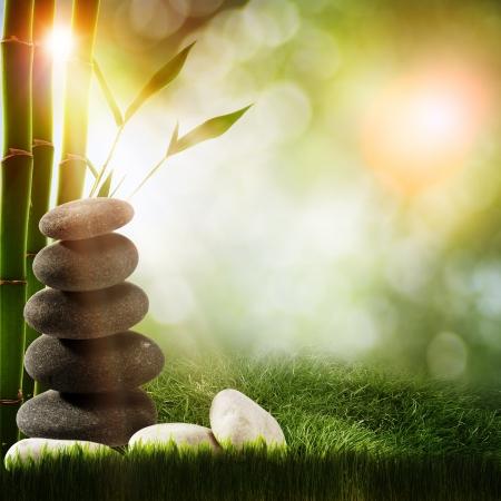 kropla deszczu: Abstrakcyjne tła spa z bambusa i żwirkowa Zdjęcie Seryjne