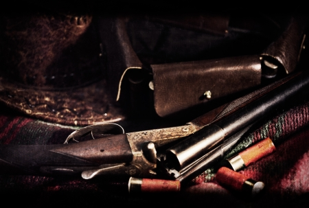 fusil de chasse: Film Noir milieux de chasse Art vintage avec texture vieux film ajouté
