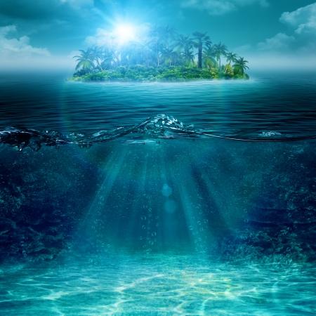Alleen eiland in oceaan, abstracte milieu-achtergronden