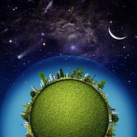 desarrollo sustentable: Planeta Tierra verde contra el cielo estrellado, el concepto de desarrollo sostenible Foto de archivo