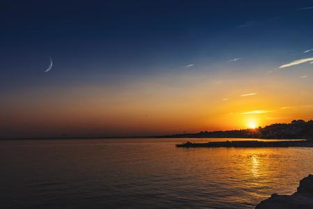 Beautiful summer twilight over the sea surface, natural backgrounds Standard-Bild