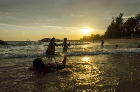 Sunset at Mae Ram Pung beach, Rayong, Thailand Stock Photo - 13984100